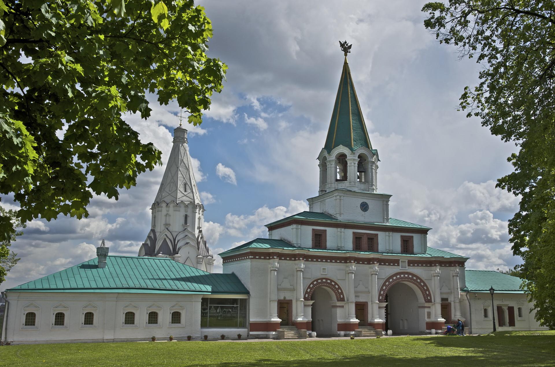 Puerta Principal de Kolómenskoye.