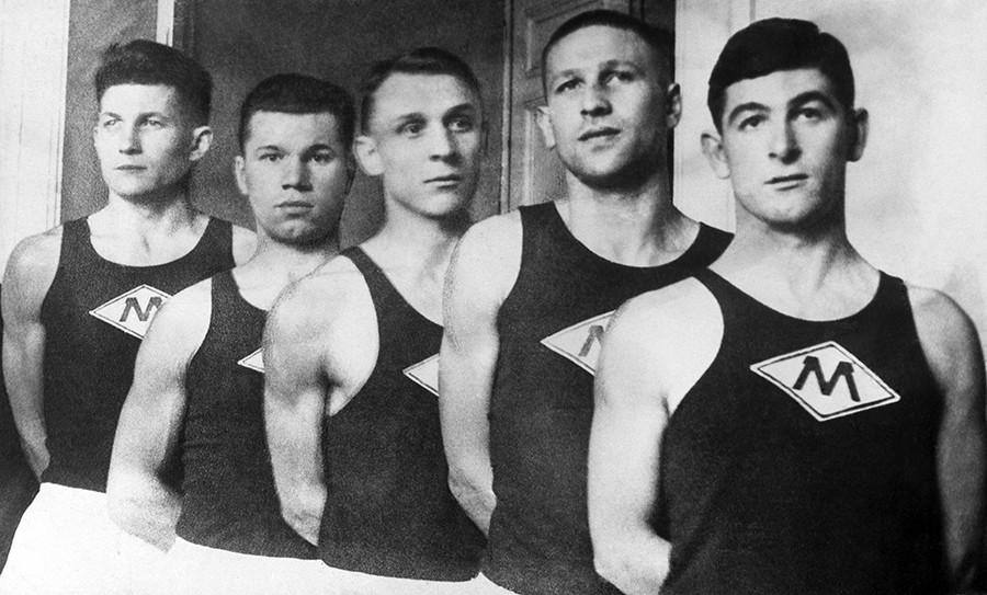Московски кошаркашки тим током 1940-их.