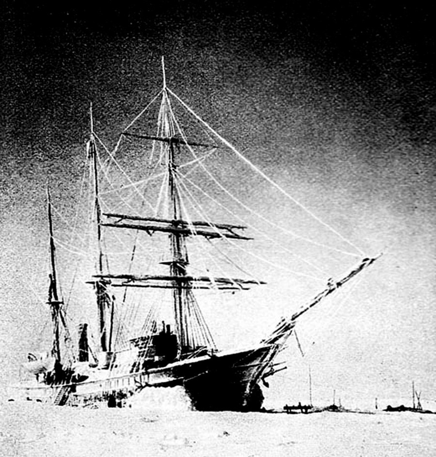 "Foto de 1910 do brigue russo ""Zaria""'."