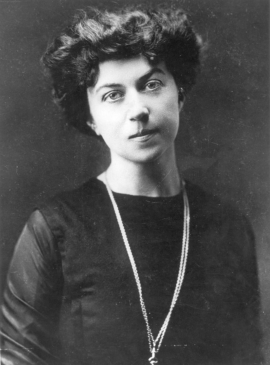 Aleksandra Kollontai na juventude.