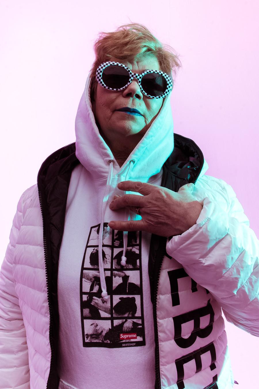 Valentina, 75