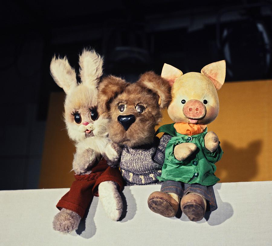 Stepashka (hare), Philya (dog) and Khryusha (piglet).