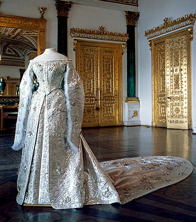 Poročna obleka carica Aleksandre.