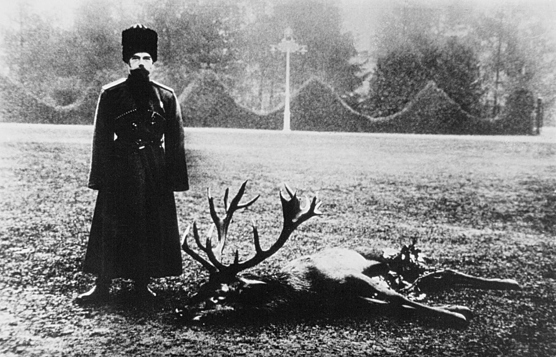 Le tsar Nicolas II Romanov de Russie durant une expédition de chasse dans la Forêt de Białowieża, Empire russe, 1897
