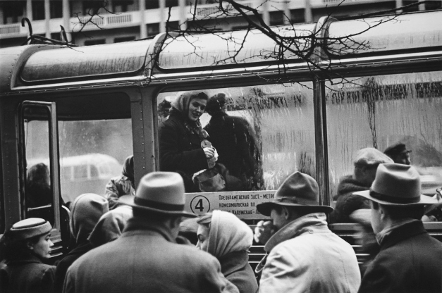 Prvi trolejbus se je na moskovskih ulicah pojavil v 30. letih. Imel je lesen okvir, kovinsko streho in nizko hitrost.