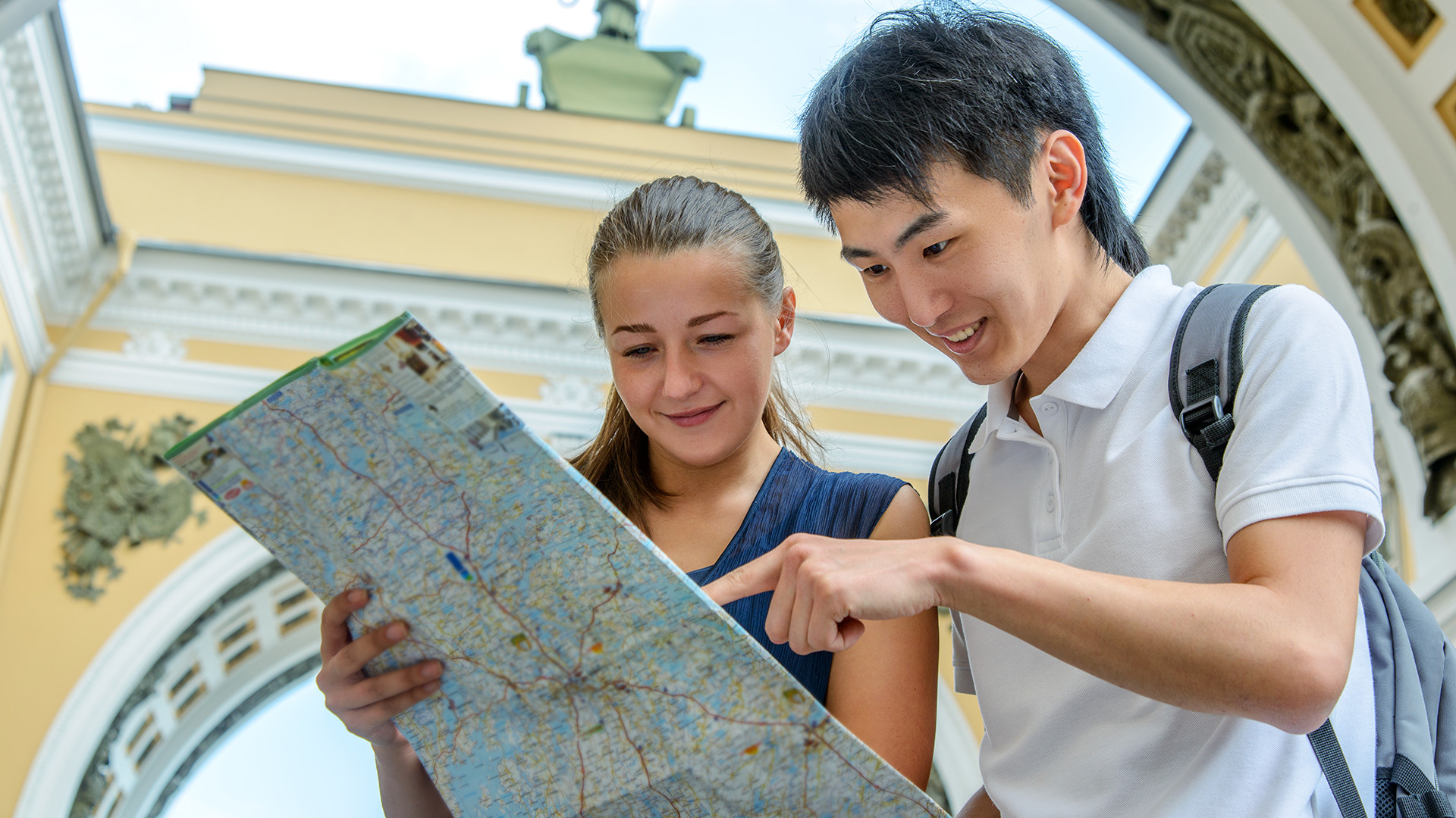Where to go in St. Petersburg with a girl