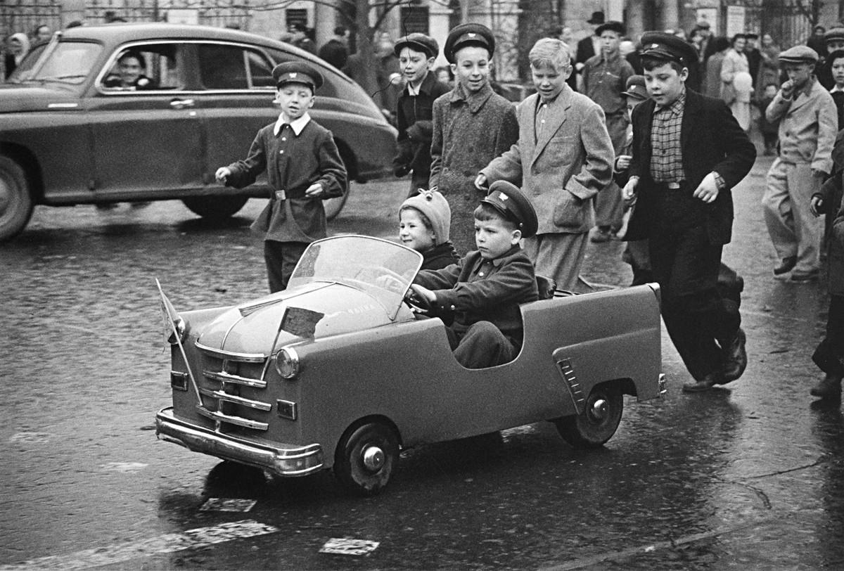 La calle Gorki, 1 de mayo de 1958.