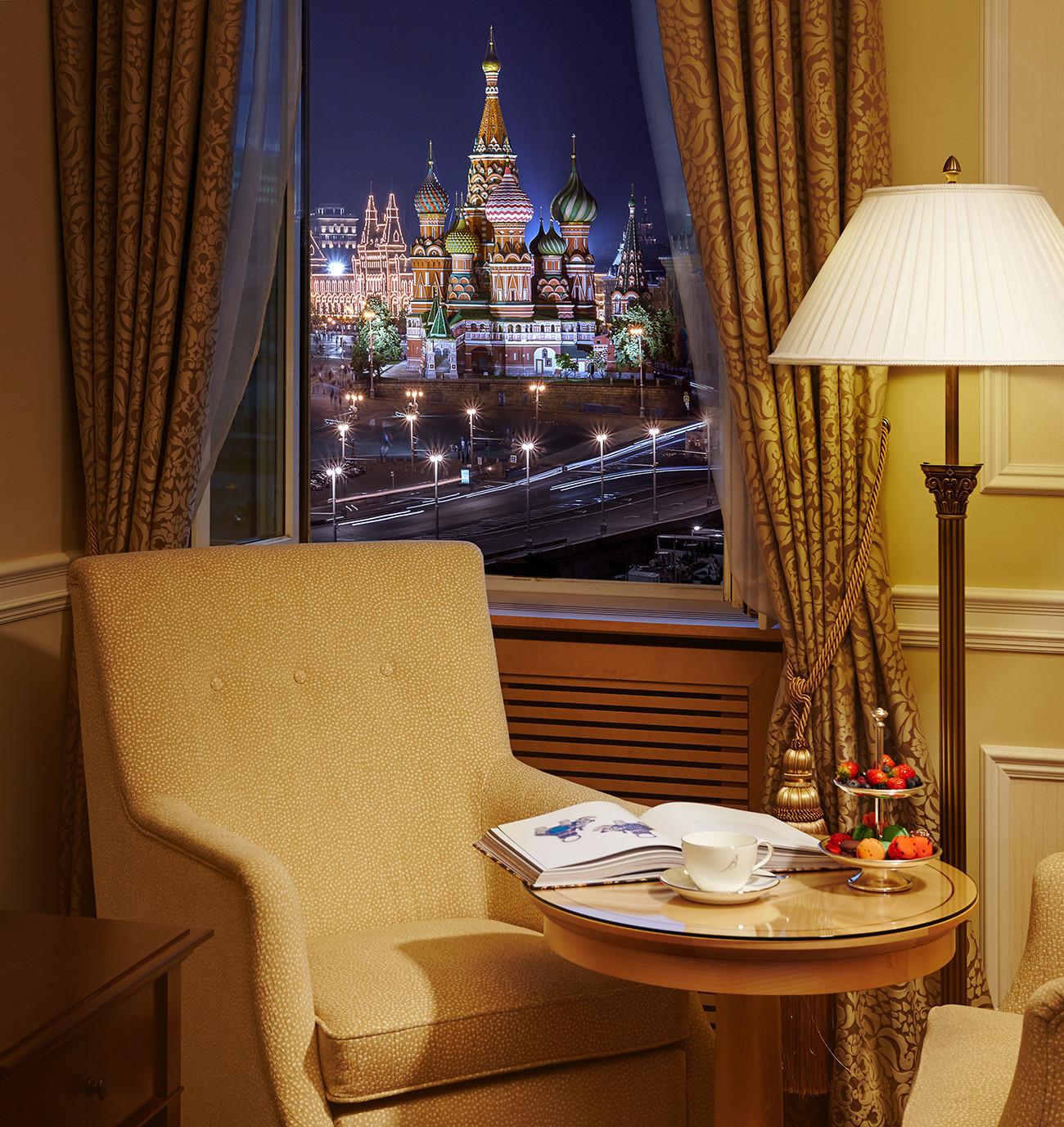 Quarto com vista para o Kremlin no Baltschug Kempinski.