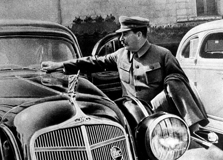 Stalinov ZIS.