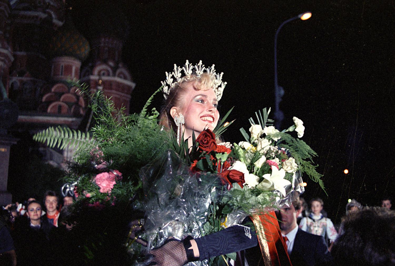 Larissa Letitchevskaia durante a cerimônia de coroação na Praça Vermelha