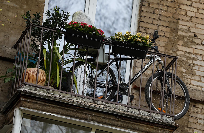 Balkon stanovanjskega bloka na Novoaleksejevski ulici, Aleksejevski rajon