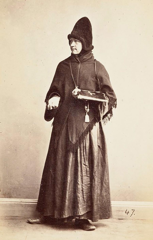 旧教徒の女性