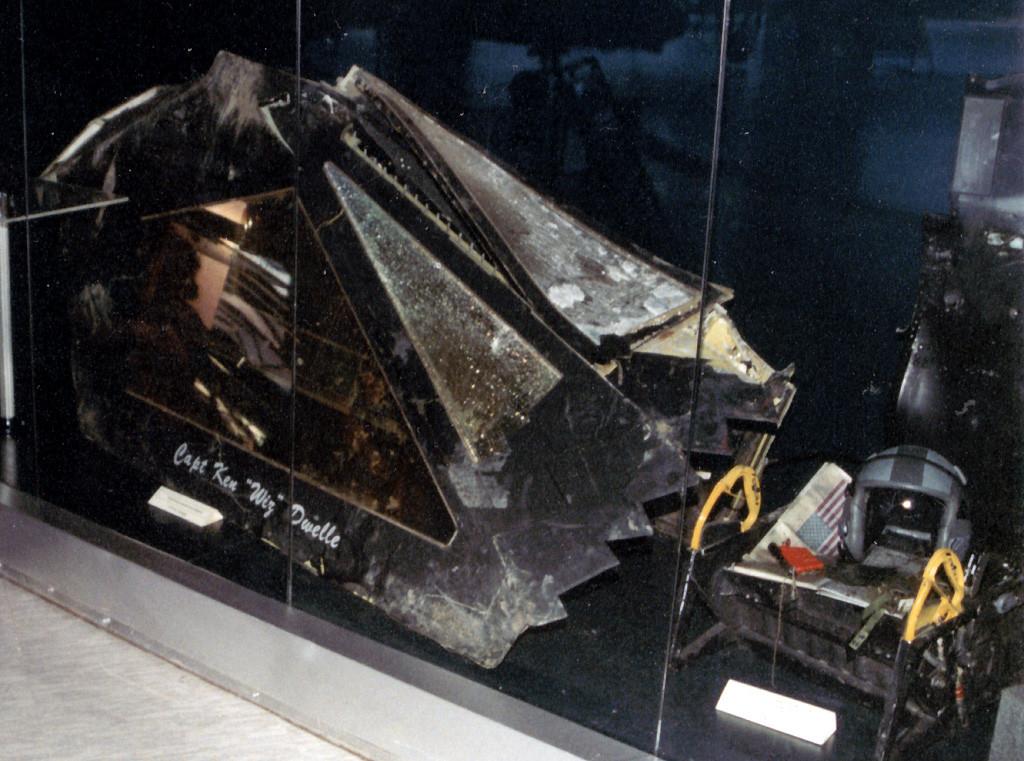 Razbitine letala F-117A, sestreljenega 27. marca 1999, blizu vasi Buđanovci.