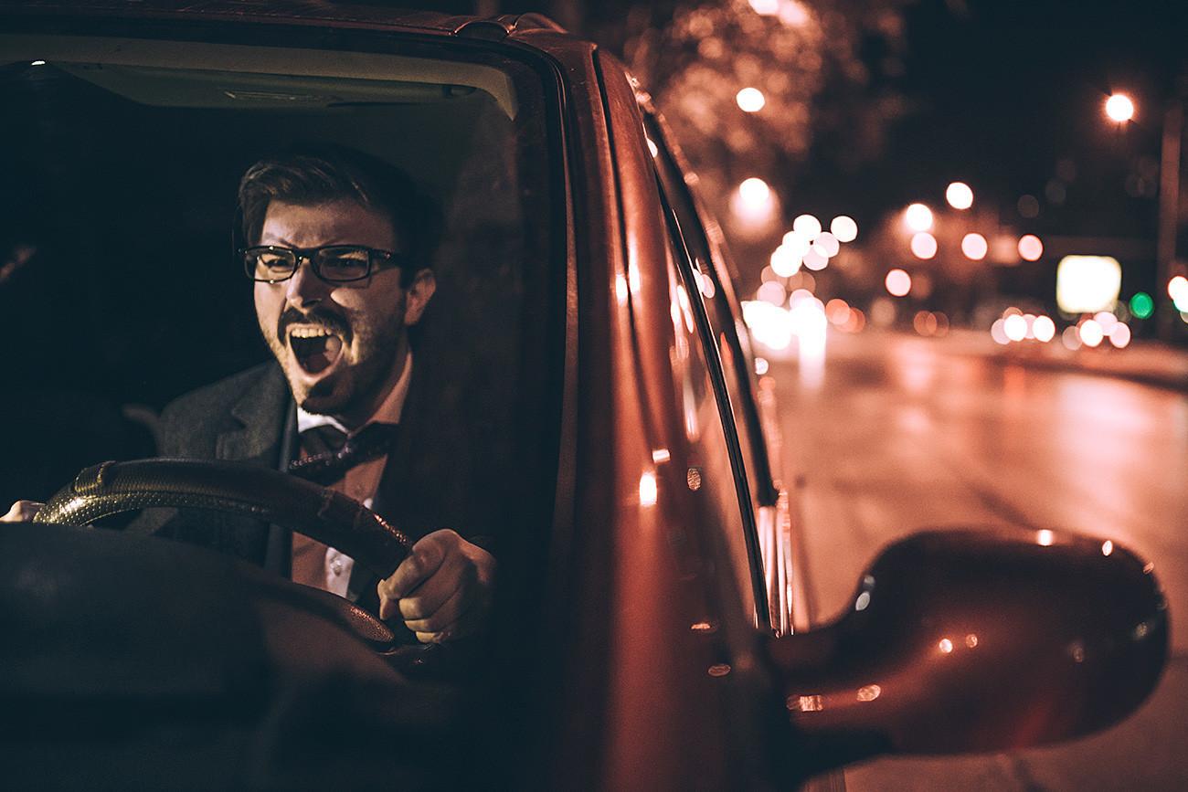 Menyetir seperti orang Rusia.