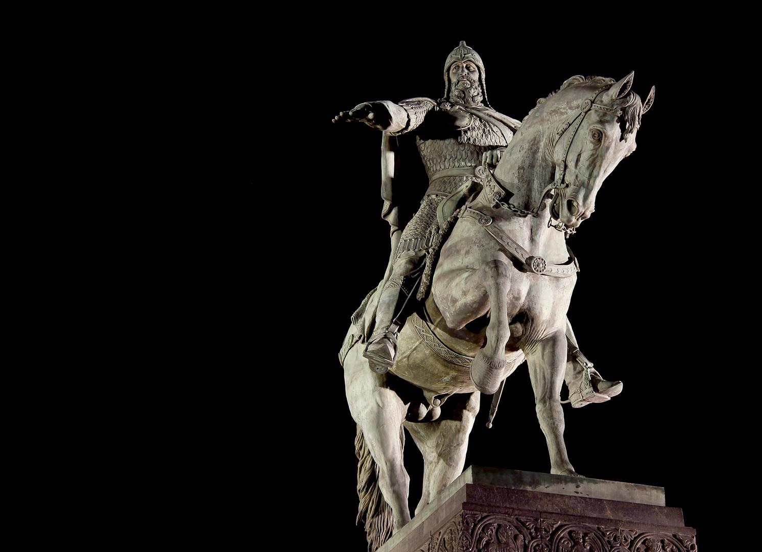 Споменик оснивачу Москве Јурију Долгоруком