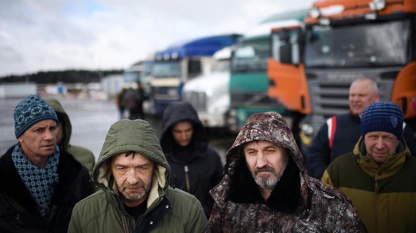 Caminhoneiros em protesto contra sistema Platon, na região de Moscou