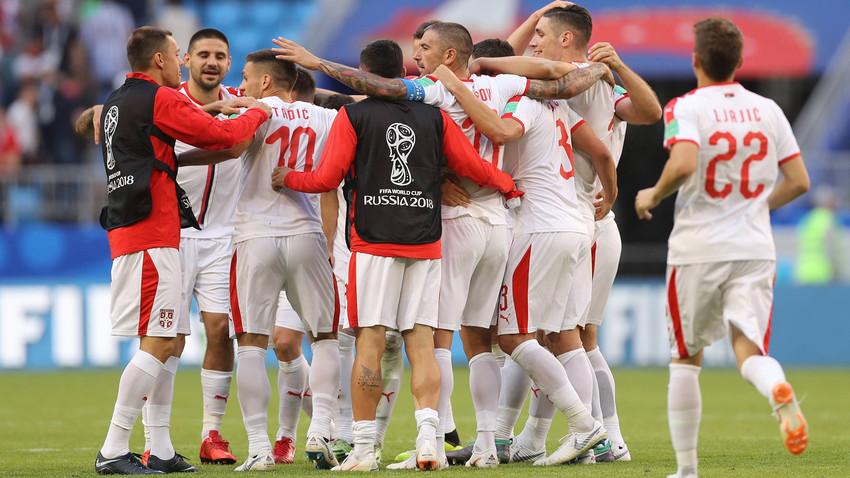 Репрезентација Србије слави победу над Костариком у свом првом мечу на Светском првенству у Русији