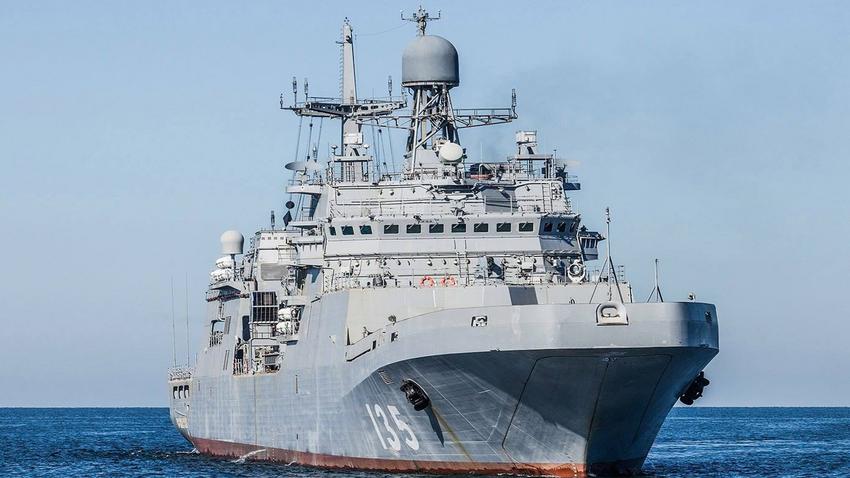 """Големиот десантен брод """"Иван Грен""""."""