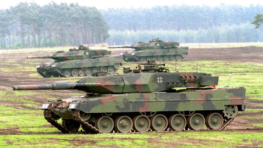 Nemški glavni bojni tank Leopard 2.