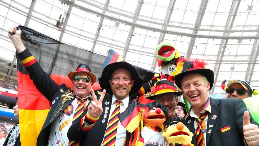 Wm Mode Die Verrucktesten Kostume Der Fussball Fans Russia