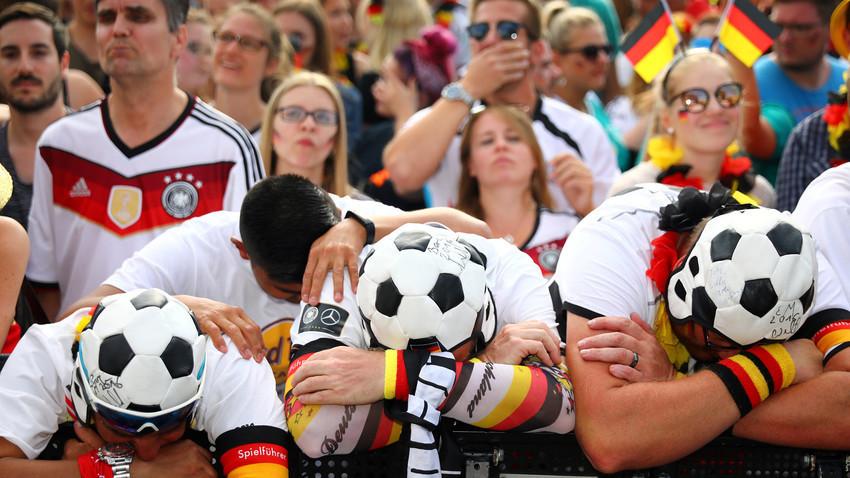 Германски фенове след мача