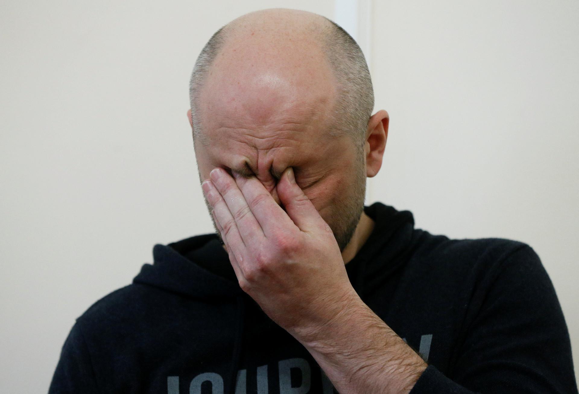 Jurnalis Rusia Arkady Babchenko yang pada 29 Mei lalu dikabarkan tewas ditembak di kediamannya di Kiev, Ukraina, ternyata masih hidup. Ia memberikan keterangan pers pada Rabu (30/5).
