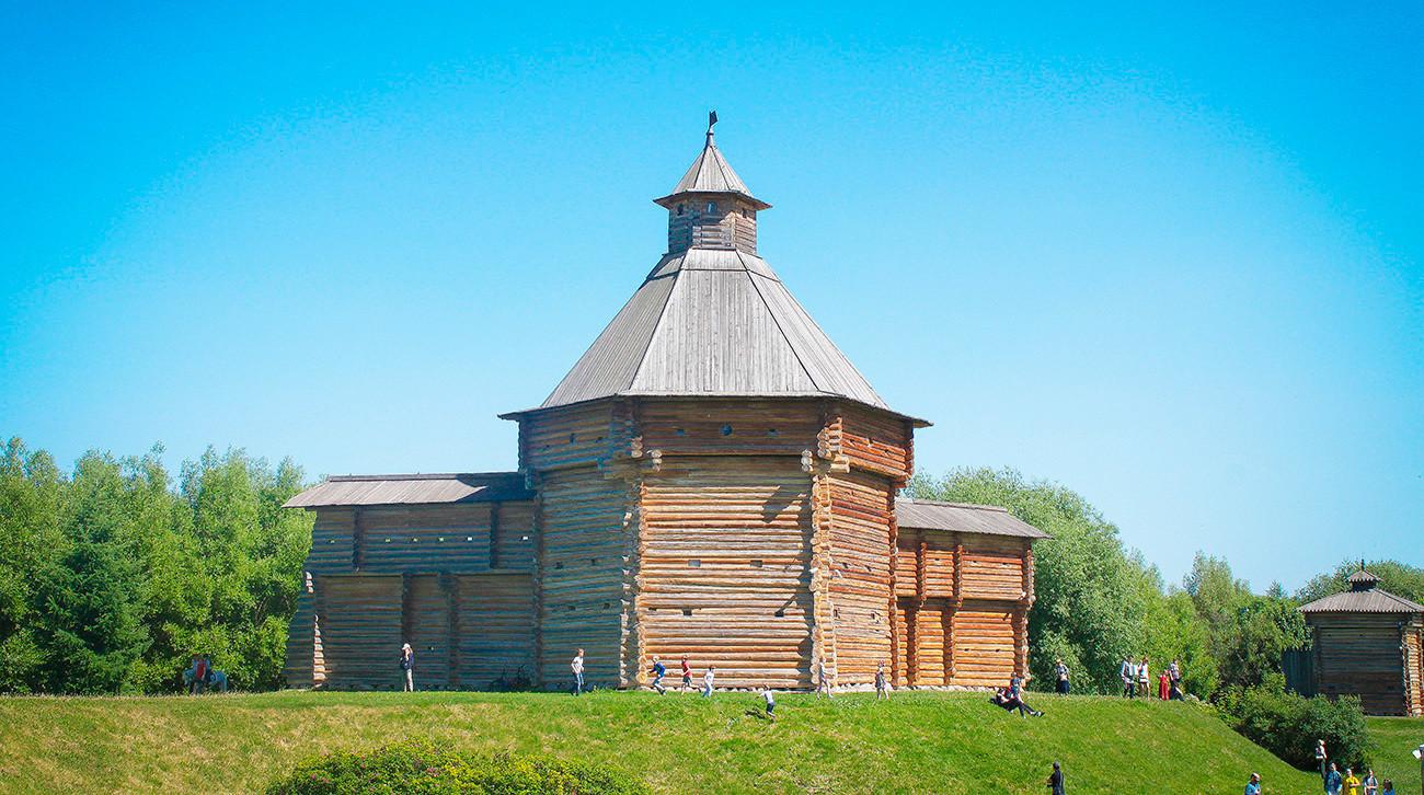 A Torre Mokhovata.