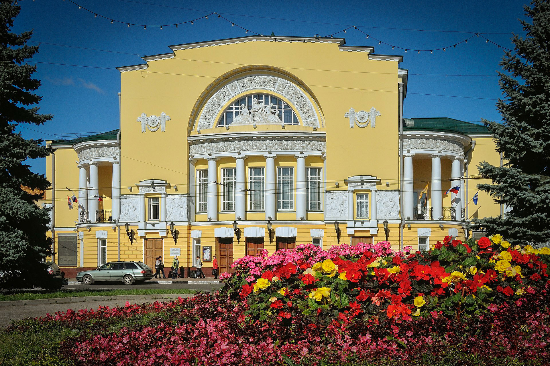Theater Hedgehogs in Yaroslavl - a real childrens holiday