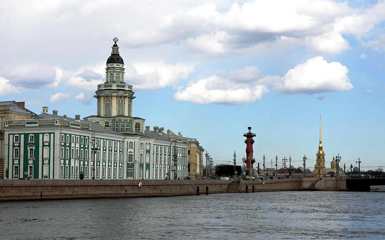 La Kunstkamera (Musée d'ethnographie et d'anthropologie de l'Académie des sciences de Russie, le tout premier musée à avoir ouvert ses portes dans le pays), Saint-Pétersbourg.