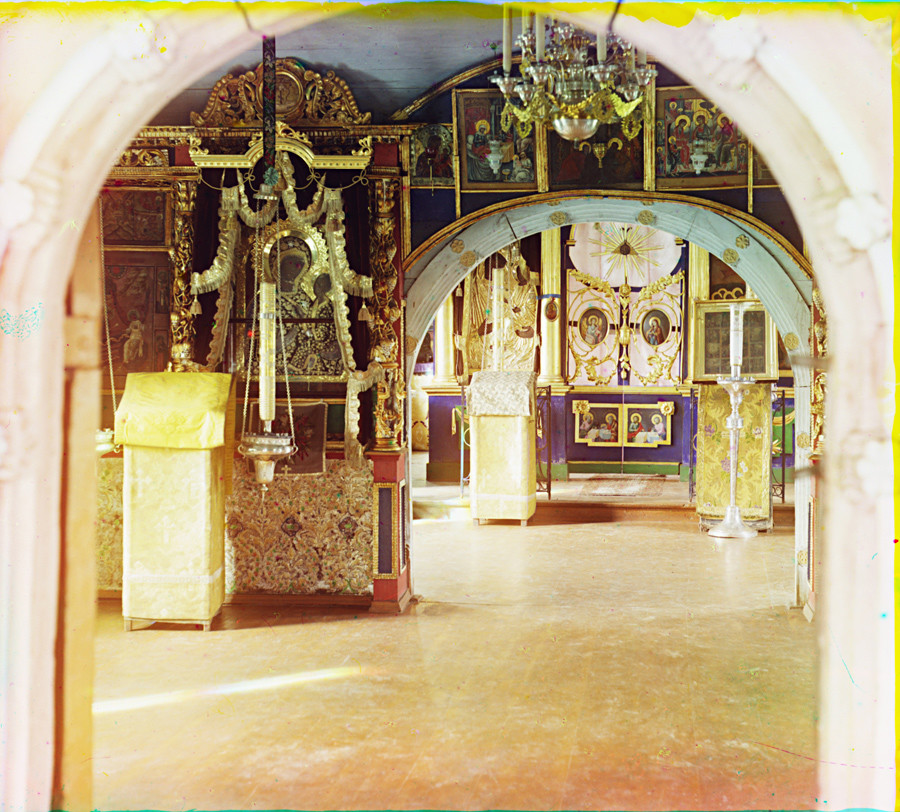 Church of the Tikhvin Icon (Old Church of the Ascension). Interior, view east from vestibule toward icon screen. Summer 1910.