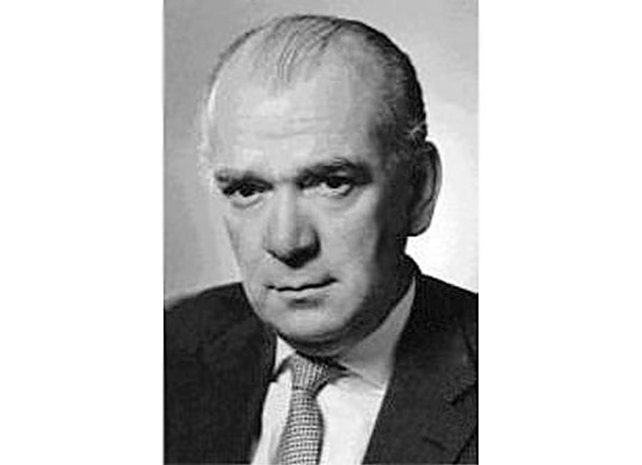 Físico Nikolaus Riehl – talvez, não tão bem vestido quanto o barão von Ardenne, mas ainda mais importante para o programa nuclear soviético