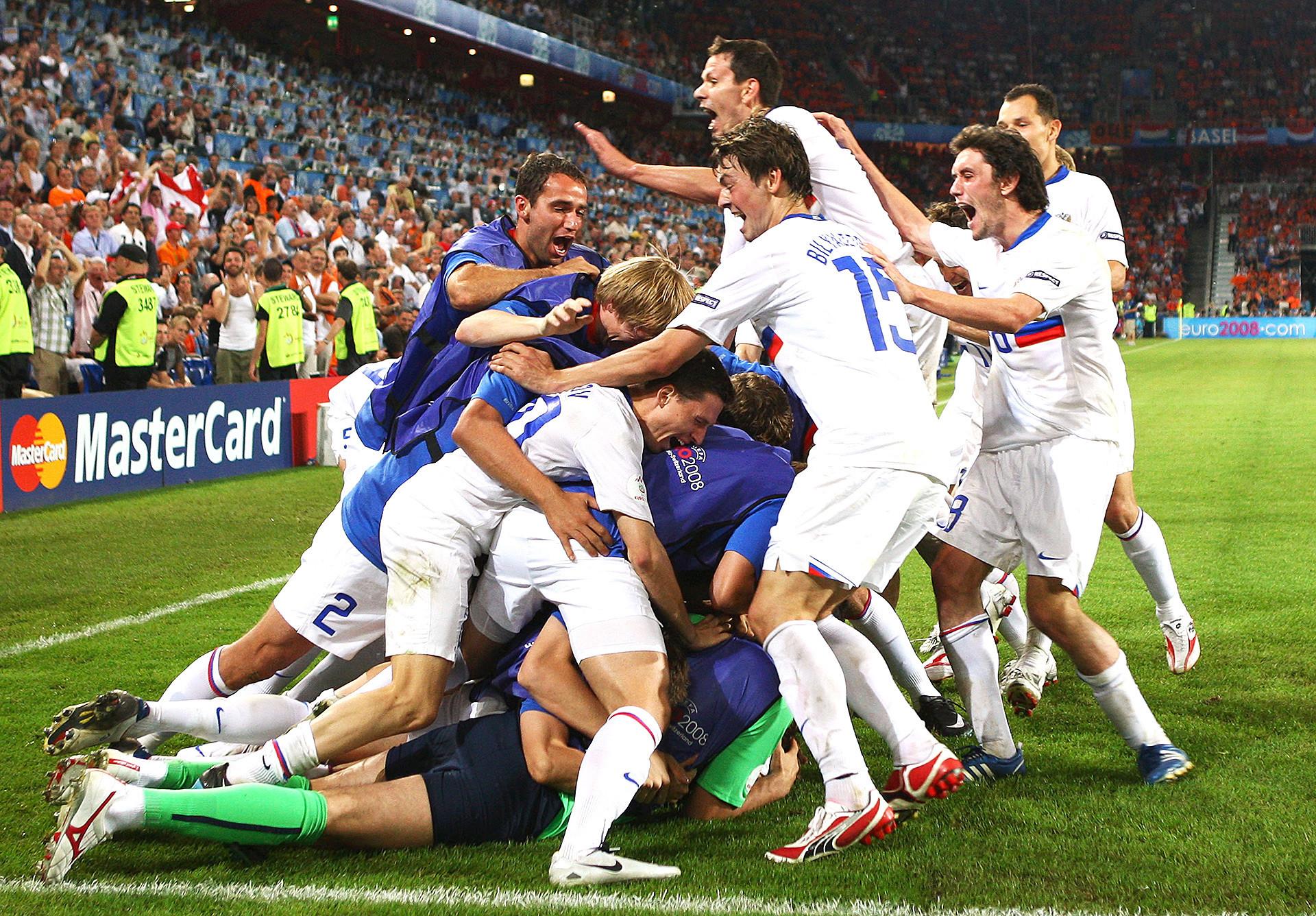 Vitória sobre Holanda em 2008 foi momento de euforia para a seleção russa, mas, desde então, situação permanece desfavorável para a equipe