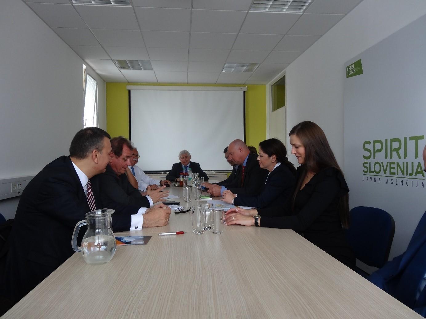 Gostje iz Togliattija so med drugim obiskali Javno agencijo SPIRIT Slovenija, ki za september načrtuje gospodarsko delegacijo v Samarski regiji.
