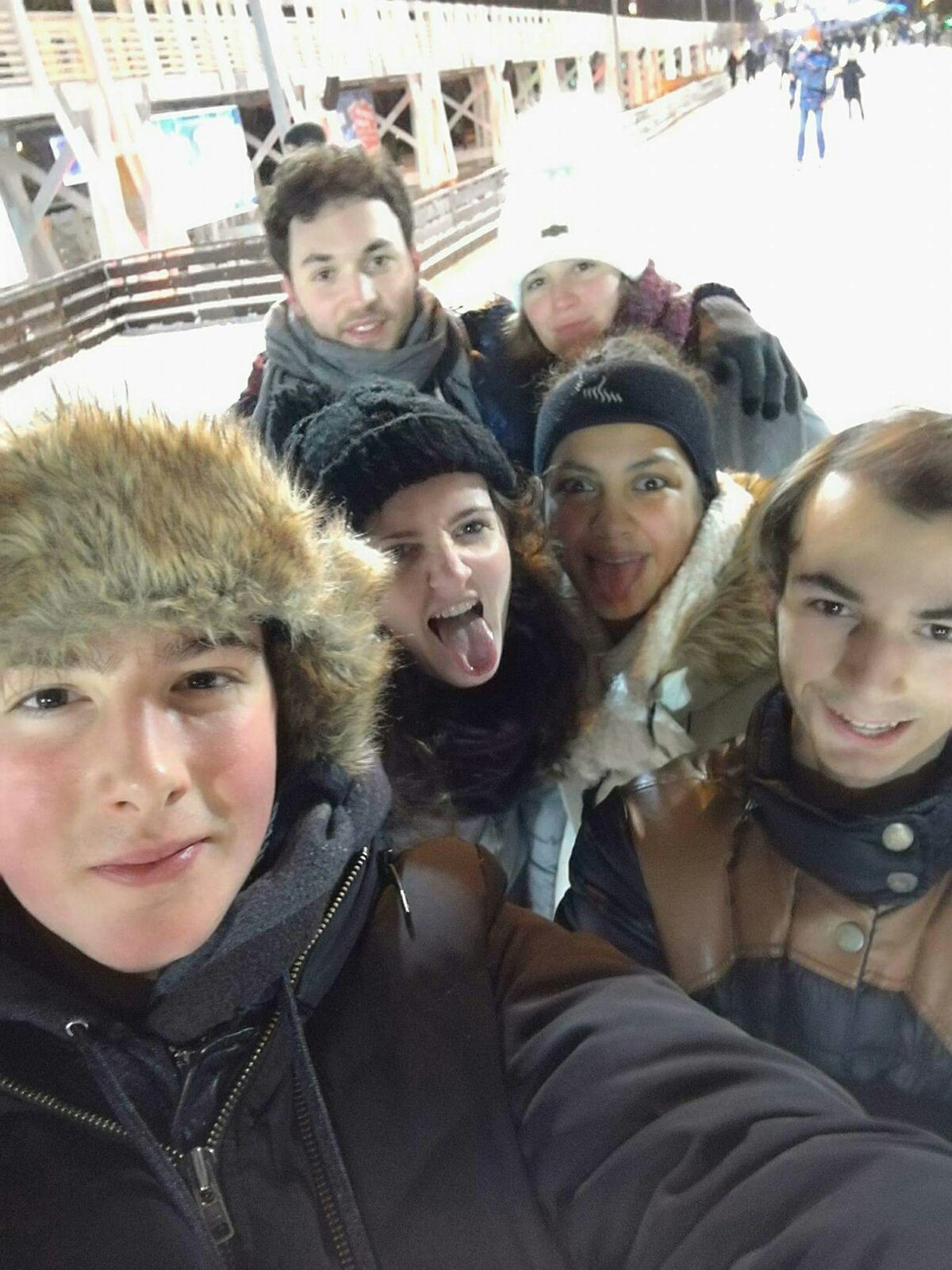 Tanguy, Agathe, Vanella, Edgar (au premier plan), Victor et Nastia (au fond)
