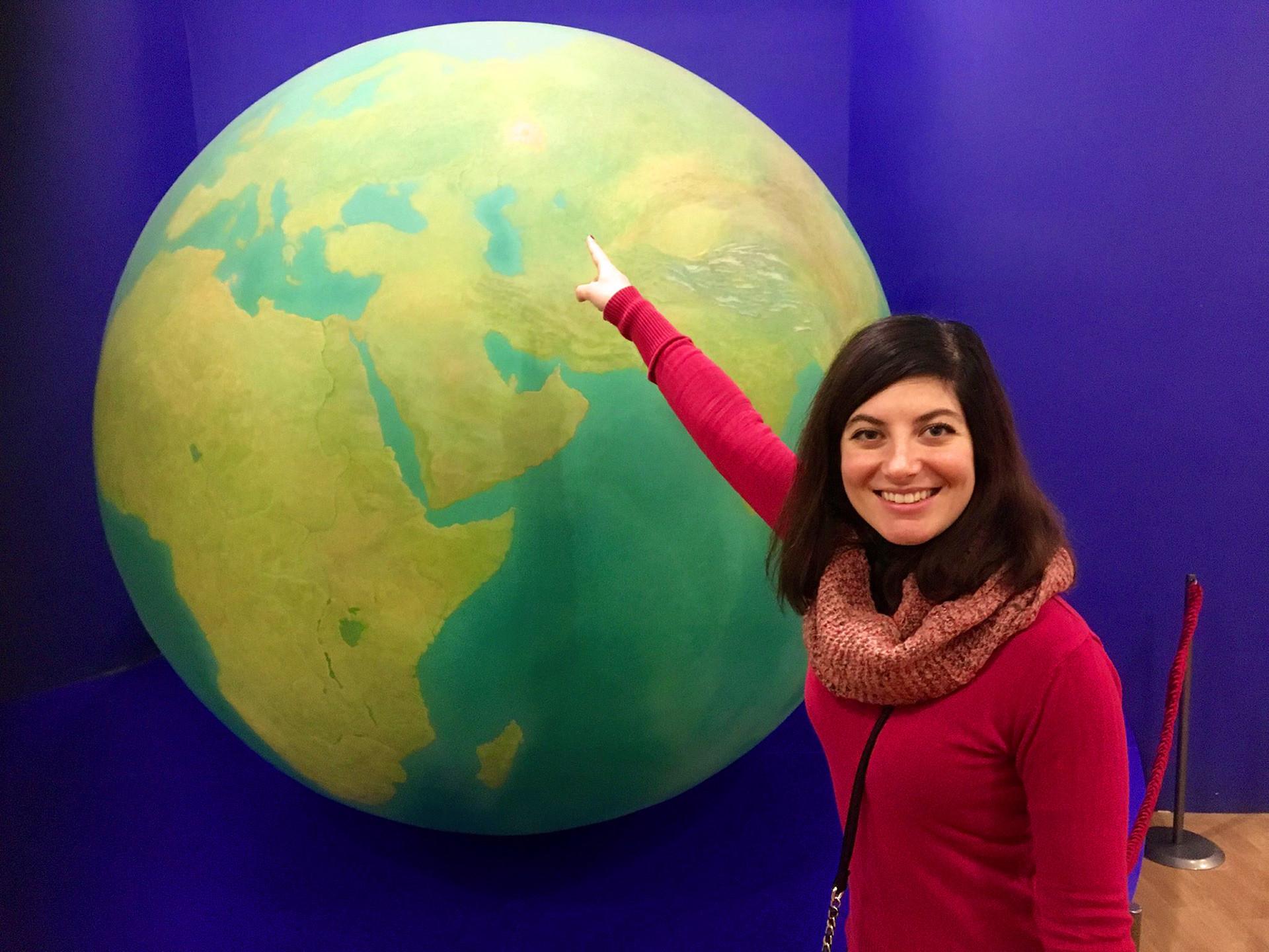 Francesca Loche, Profesor di Sekolah Tinggi Ekonomi, dari Cagliari, Italia, tinggal di Moskow sejak 2010.