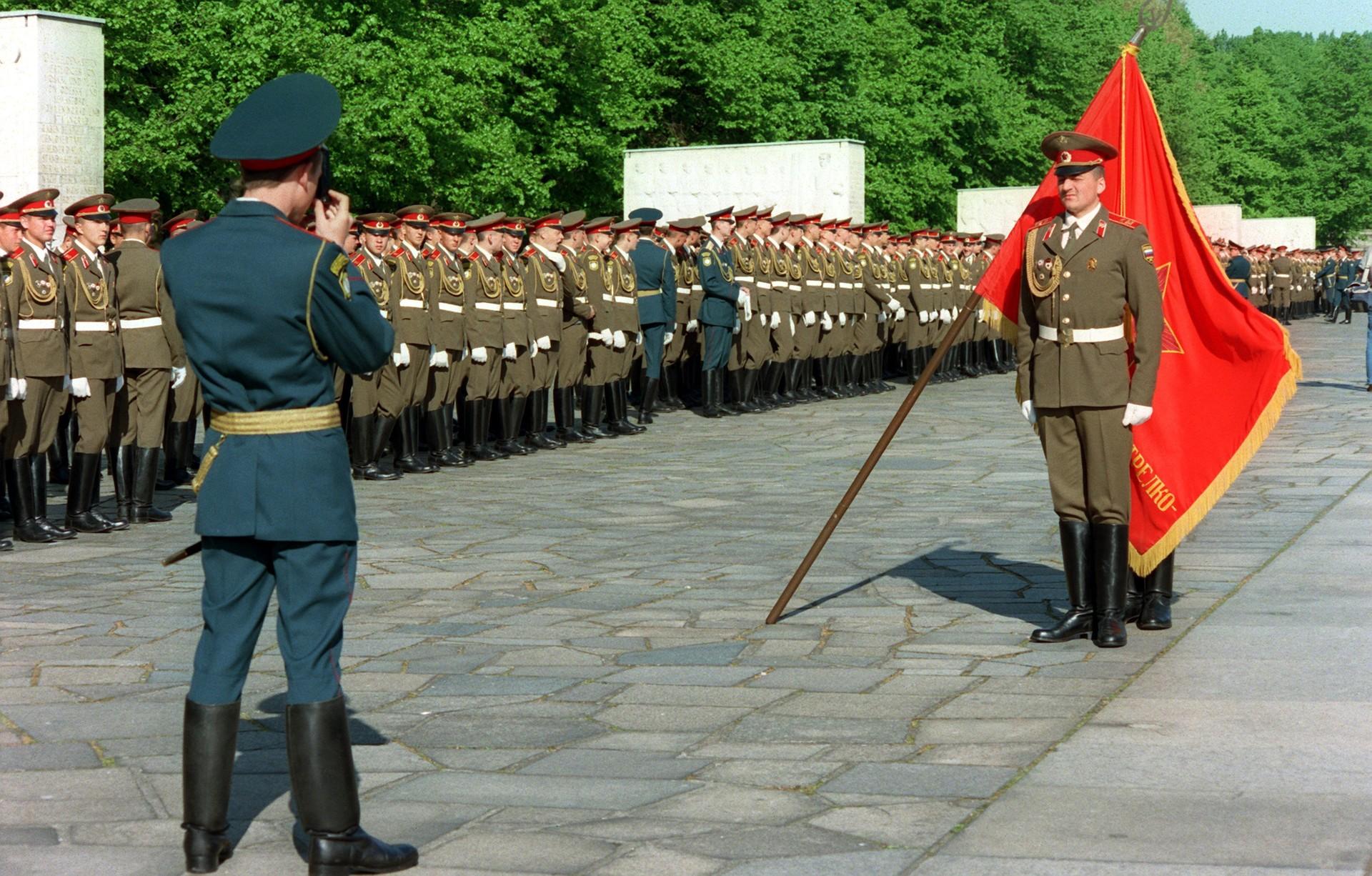 Zadnje praznovanje obletnice dneva zmage v Berlinu pred umikom zadnjih sovjetskih čet, 8. maj 1994