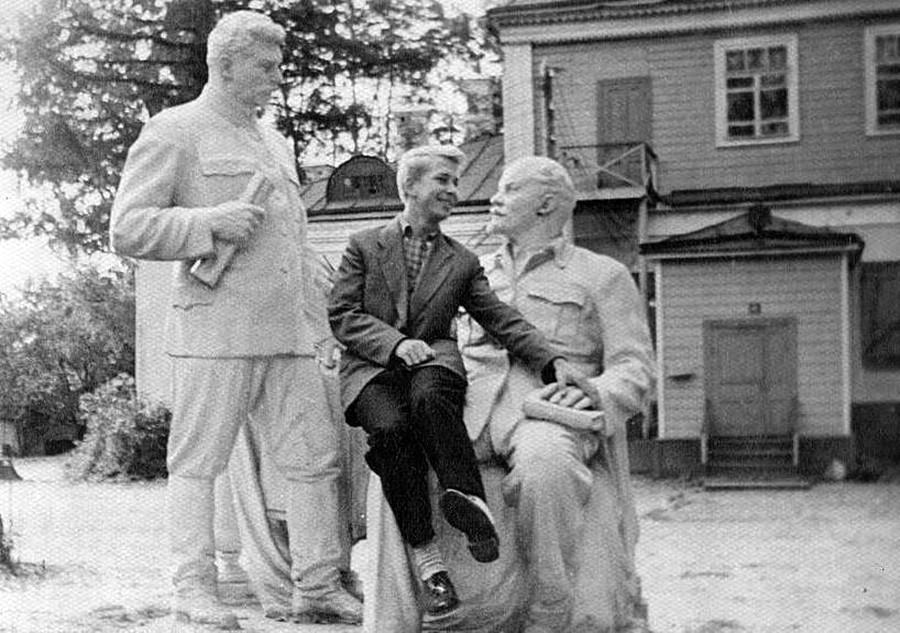 Les monuments à la gloire de Joseph Staline, de la prolifération à la  disparition - Russia Beyond FR