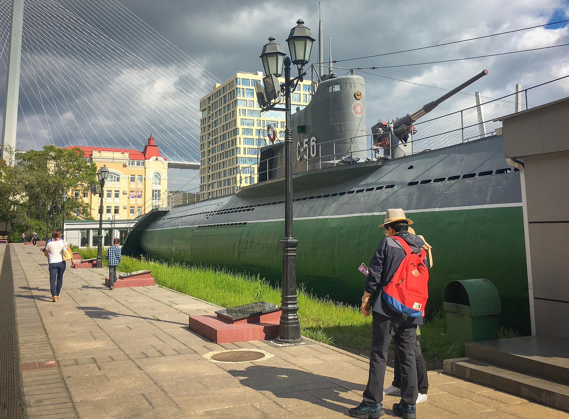 O S-56, submarino da classe Stalinets da Marinha Soviética.