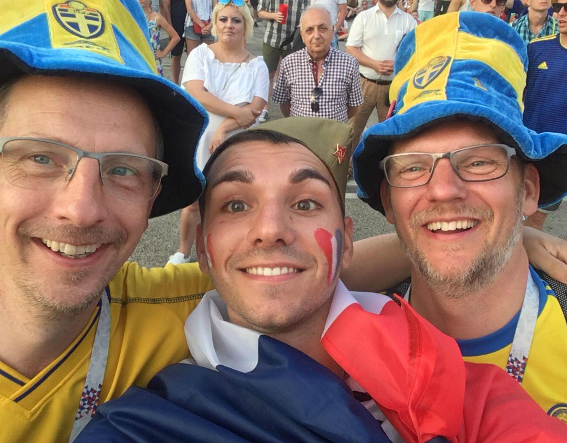 Ryan et des supporters suédois.