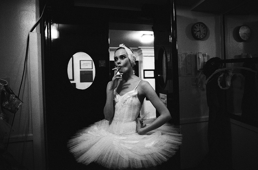Swan Lake. Backstage. London, 1993