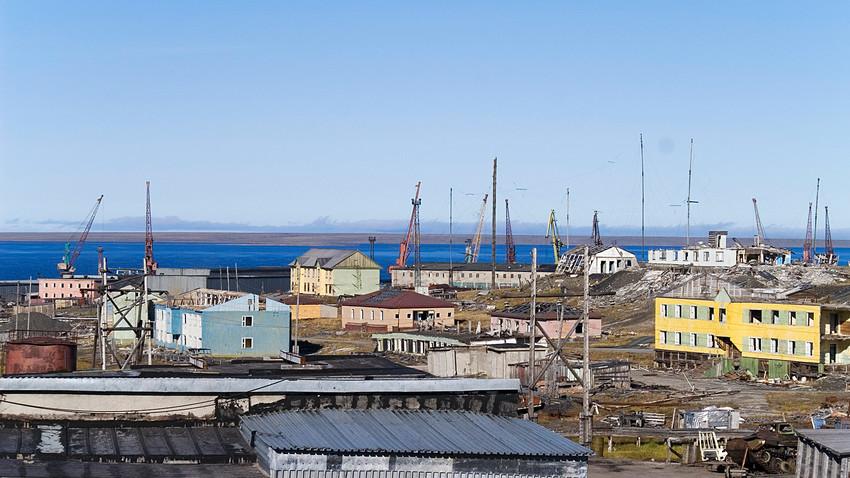 ティクシ市はサハ共和国ブルンスキー地区の中心地(ヤクーチヤ)である町。