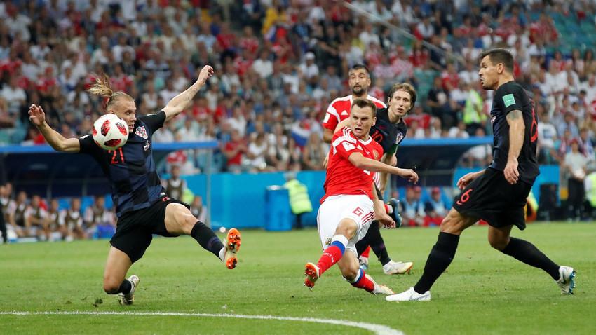 Черишев го постигнува првиот гол за репрезентацијата на Русија.