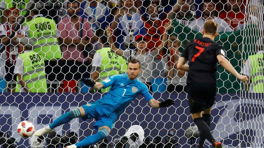 Rusia kalah 3 - 4 dalam adu penalti dengan Kroasia.