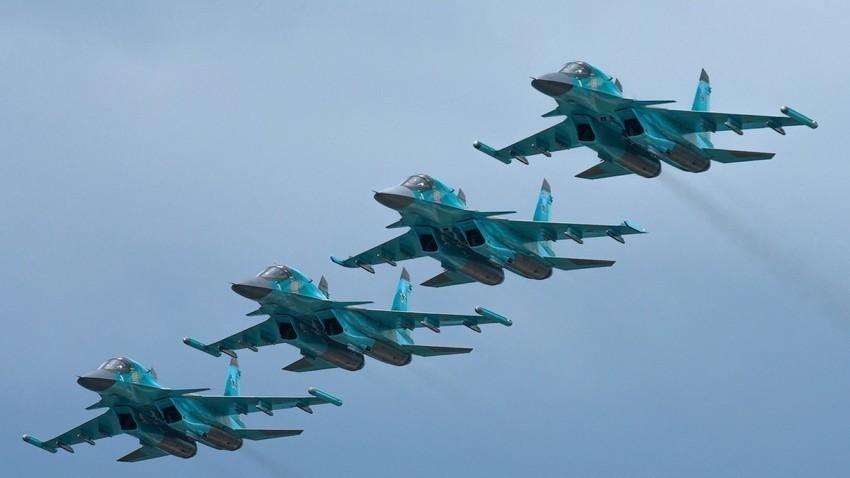 Višenamjenski lovci-bombarderi Su-34