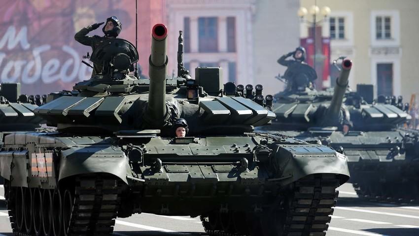 Основни борбени тенк Т-72Б3