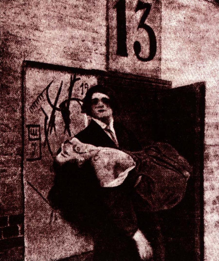 O único still restante de Maiakóvski como Anjo da Morte em filme de 1914.