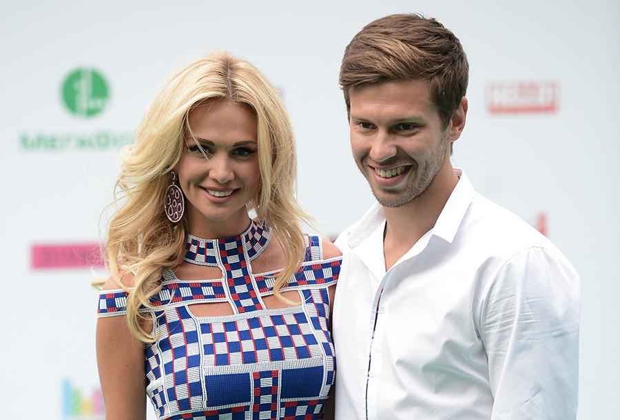 Victoria Lopyreva dan Fedor Smolov.