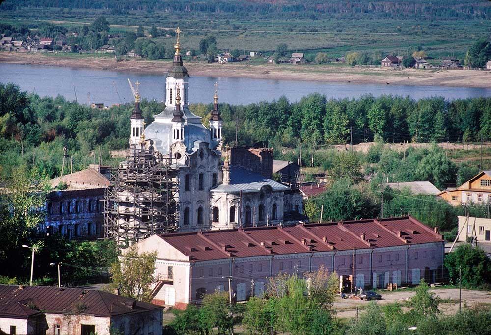 Church of Sts. Zacharias&Elizabeth. Northeast view from kremlin bluff. Background: Irtysh River. September 1, 1999.