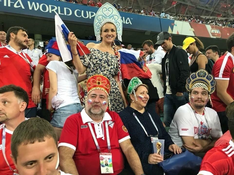 """Прождрљива руска тројка"": Дмитриј Гнатјук, Ина Канелска и Јуриј Гнатјук"