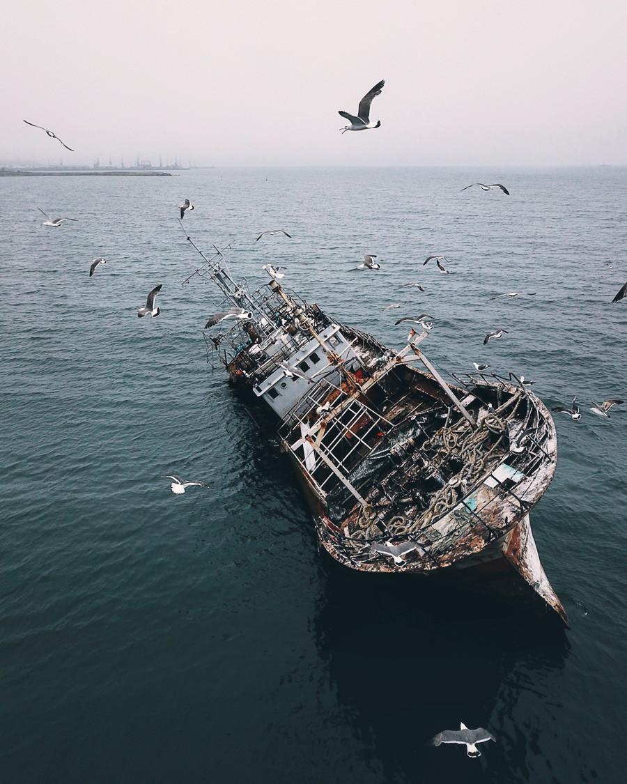 コルサコフの幽霊船、サハリン島